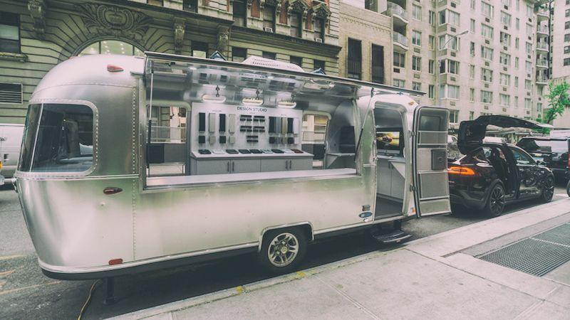 Wohnwagen als mobile Design-Studios: Tesla kündigt Flotte an